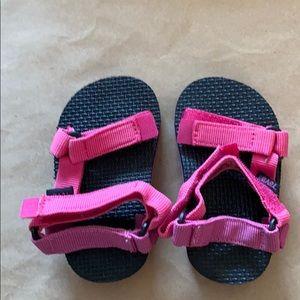 Teva pink vecro baby sandals